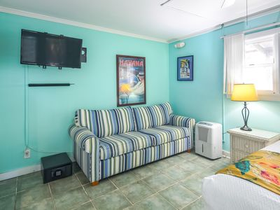 Photo for Tropical Key West studio w/ shared pool - near beaches & Duval St.