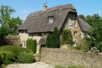 Tremendous Gorgeous Large 17Th Century Thatched Cottage In The Cotswolds Moreton In Marsh Interior Design Ideas Philsoteloinfo