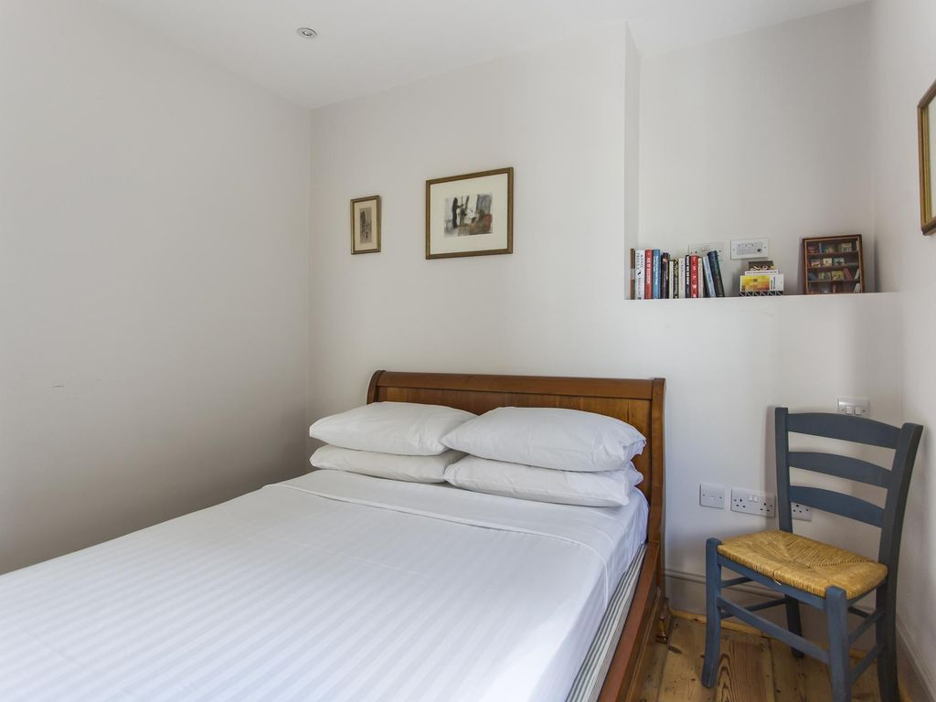 Chalcot Road III - luxury 2 bedrooms serviced apartment - Travel Keys