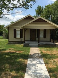 Photo for Beautiful Storybook Cottage Style Rustic Home Next To I-35 Easy Access!