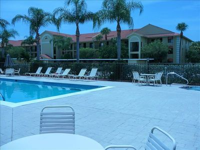 3rd(top) floor condo(Free WIFI in unit) 30' from heated pool, spa,tennis, bocce