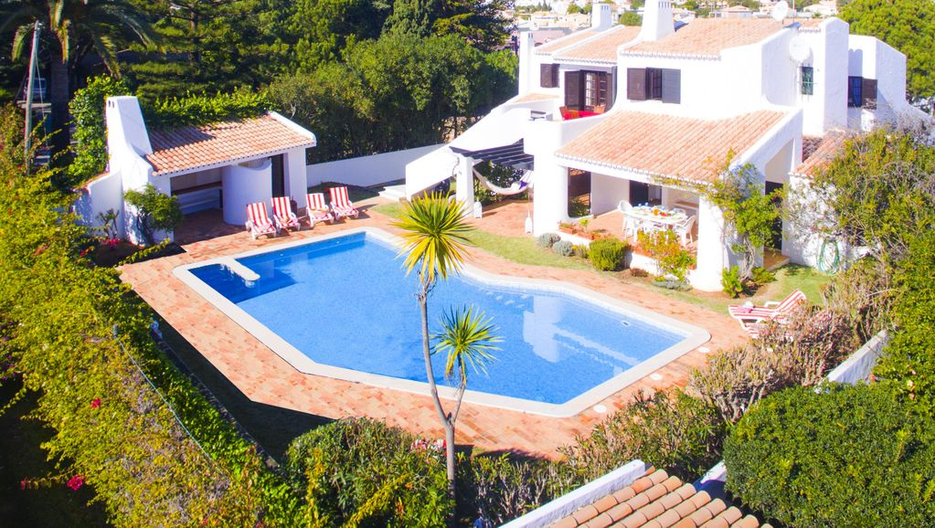 Outstanding 5 Bed Villa Bbq Private Pool Games Room Only 300m From The Beach 5 Br Vacation
