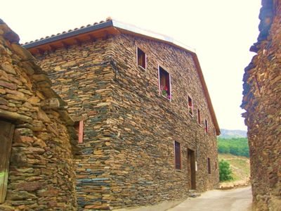 Photo for Casa Rural Albarranco (2-4 pers). Autumnal landscapes of dream at 1:30 of Madrid