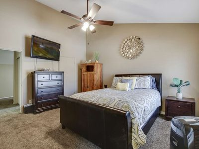 Photo for Dog Friendly, Comm. Pool, Patio w/ Grill, 3 Suites, 2 Miles to Arizona St Univ - Free Golf & More