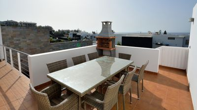 new BBQ, great views of the ocean from the kitchen terrace