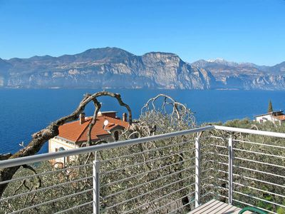 Photo for Apartment LA MAISON BLANCHE  in Brenzone sul Garda (VR), Lake Garda/ Lago di Garda - 2 persons, 1 bedroom