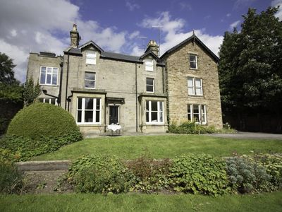 Photo for 2BR Apartment Vacation Rental in Bakewell