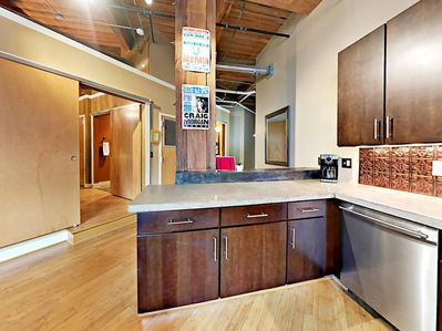 Welcome to this handsome abode in the heart of Downtown Nashville!