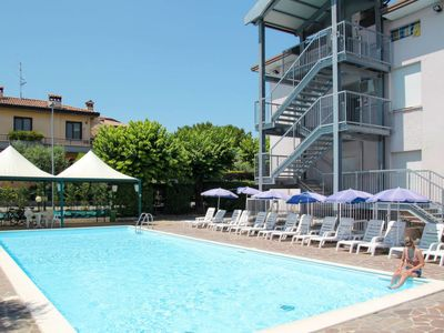 Photo for Apartment Residence Poggio al Lago (SIR108) in Sirmione - 5 persons, 1 bedrooms