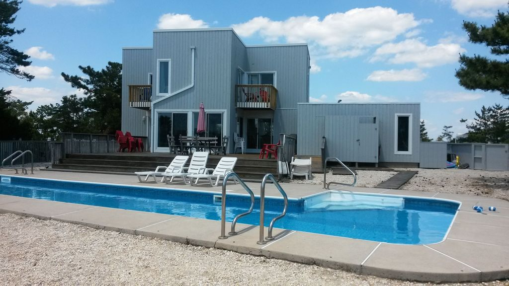 50 ft pool on water slps 10 pet friendly 4 homeaway - Pet friendly cottages with swimming pool ...