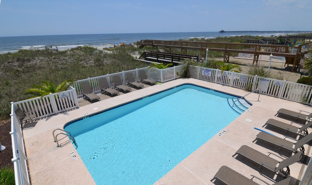 Beachfront Amenities Unobstructed Views 2 Pools Bright
