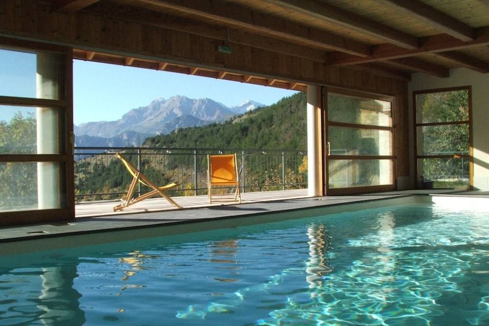 Au Cur De La Montagne Grand Chalet Avec Piscine Intrieure Prive