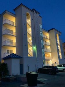 Photo for Fantastic Downtown Oceanfront 3br Condo