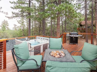 Photo for Newly Remodeled. Beautiful Outdoor Living Area. Spa! BBQ! Fireplace! Fast Wifi! Views!