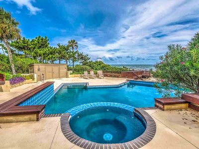Photo for Family-friendly home w/private pool, and panoramic oceanfront views!