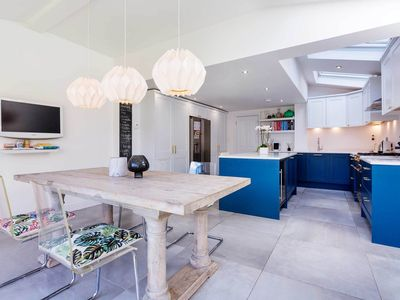 Photo for A bright & beautiful family home located in the heart of Wimbledon! (veeve)