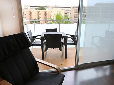 "Photo for Apartment a short walk away (170 m) from the ""Playa de Levante"" in Salou with Internet, Air conditioning, Lift, Balcony (89111)"