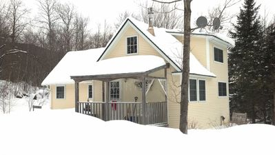 Photo for Cozy Cottage Within Short Drive of Central VT Ski Resorts