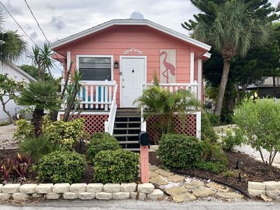 Photo for Steps to the beach and Bay,  sunrise /sunset ,WiFi, Laundry, grills, Paradise!
