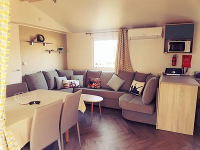 Photo for Mobilhome 6 / 8pers, 3 bedrooms, 2 bathrooms, 2 toilets, air conditioning, ALL COMFORT, SPACIOUS