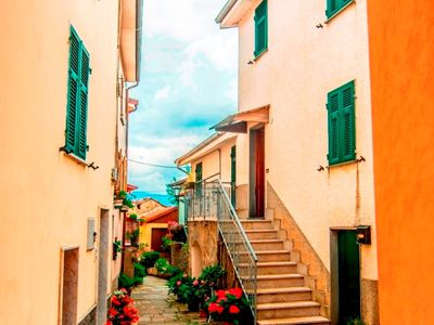 Photo for Immersion to the green, far from the crowd but 14 km from the sea and the Cinque Terre