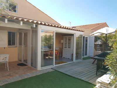 Photo for 2-bedroomed Villa - pool in the residence GRUISSAN