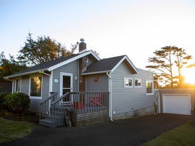 Photo for Charming Cannon Beach Cottage- Perfect Family Getaway near the beach!
