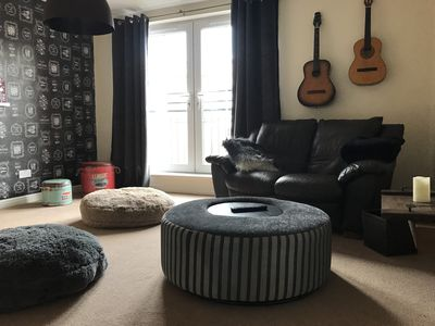 Photo for Edinburgh Leith apartment, private parking, free WiFi, great location