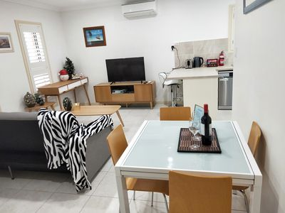 Photo for Cute and Quiet Flat at Elanora Heights