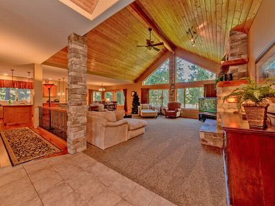 Photo for Luxury Vacation Home near the Lake!  Hot Tub | Pool Table *Near Suncadia*