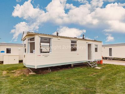 Photo for 6 berth caravan for hire at California cliffs holiday park in Norfolk ref 50071