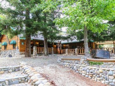 Amazing One of a kind Cabin in the Beautiful Mou!ntains of Yosemite Ntl. Park
