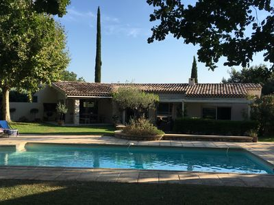 Photo for Great quiet villa 4 km from the center of Aix in beautiful surroundings on 3200m2