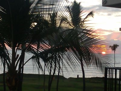 Spectacular sunset directly from our lanai!