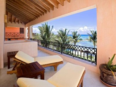 Top Class Luxury Beachfront Villa in Akumal With Chef Services.