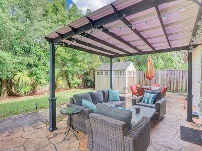 Photo for ✶ Sunset Escape ✶ Downtown FTL | Private Backyard!