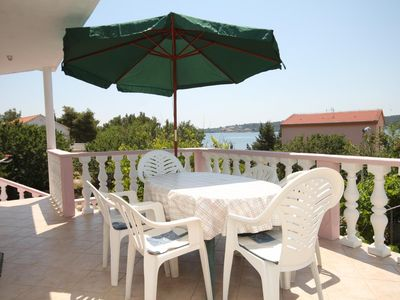 Photo for Two bedroom apartment with terrace and sea view Verunić, Dugi otok (A-8104-a)