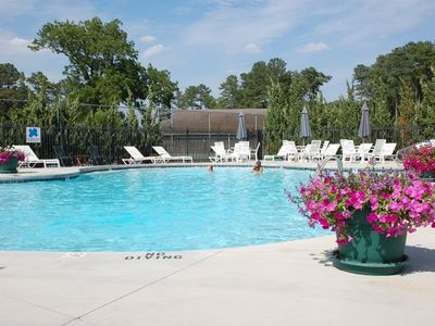 Gorgeous Home - Hole #3 of River Run Golf Course - Free Linens, Wi-Fi & Pool