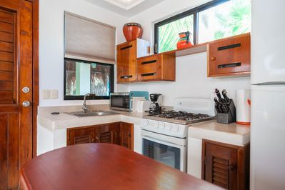 The fully equipped kitchen has everything you need for cooking and entertaining