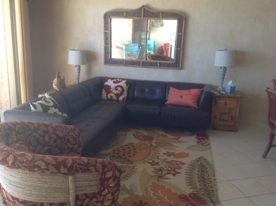Comfortable living room to relax with family and friends.