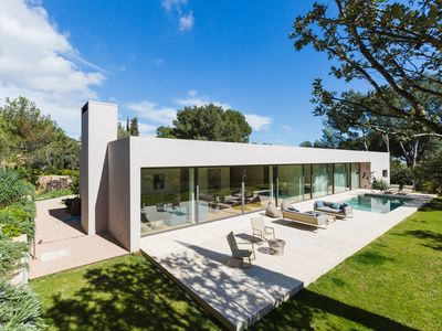 Photo for Exquisite modern villa in Son Vida with a wide outdoor garden and pool.