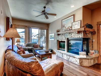Beautiful mountain condo with great views and shared pool & hot tubs!