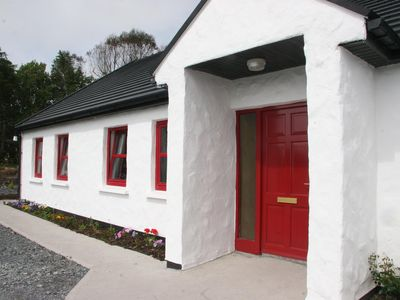 Photo for Very spacious 4 bedroom cottage in stunning location