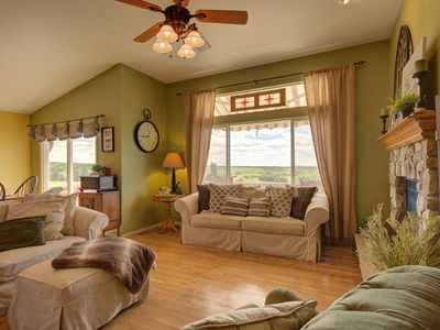 Photo for Serene Escape with Expansive Mountain Views