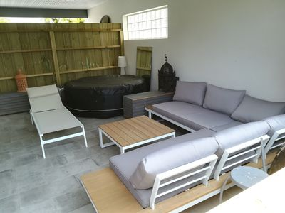 Photo for Large modern house with garden, pool, jacuzzi near Bordeaux