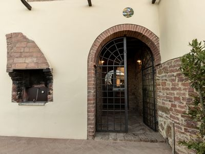 Photo for Residence Laura-Charming accommodation for 4 people in a historic Tuscan farmhouse