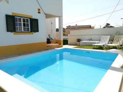 Photo for 3 bedroom villa - Pool, garden, near the beach, Golf and Lisbon, Wi-Fi