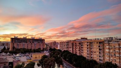 Photo for Apartment in Valencia with Air conditioning, Lift, Terrace, Balcony (487498)