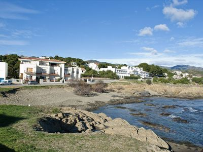 Photo for <![CDATA[Cozy and bright apartment situated on the seafront, 300 meters away from the Port Beach an]]>
