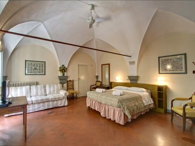 Photo for Apartment in the center of Florence with Internet, Washing machine, Air conditioning (971361)